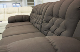Какой стильный диван купить в 2021 году?