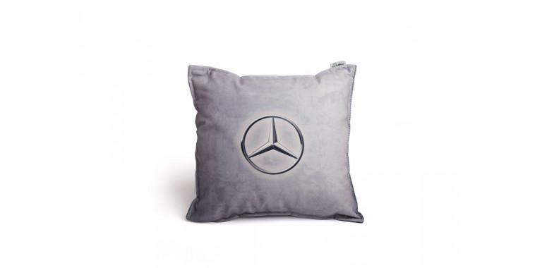Подушка декоративная с логотипом Мерседес