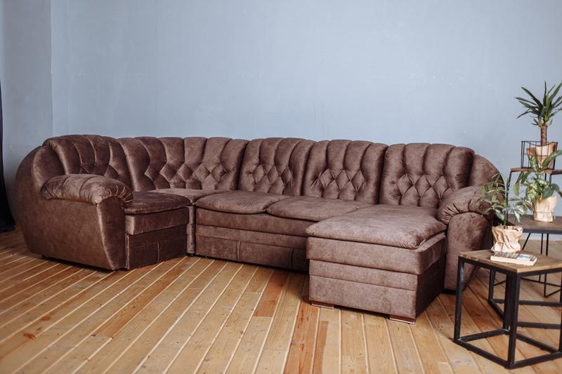 Способы размещения дивана в гостиной